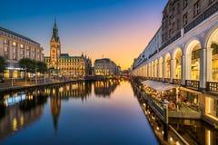 Здание муниципалитет Гамбург, Германии стоковые фотографии rf