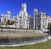 Здание муниципалитет дворца Cybele, и фонтан в Мадриде Стоковые Изображения