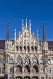 Здание муниципалитет Мюнхена на Marienplatz Стоковые Изображения RF