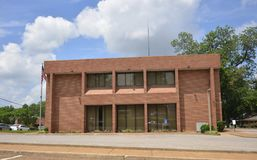 Здание муниципалитет Covington Теннесси стоковое изображение rf