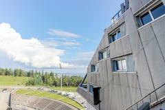 Здание на музее лыжи Holmenkollen стоковые фото