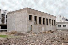 здание построило один рассказ стоковые изображения rf