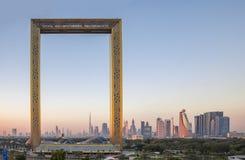 Здание рамки Дубай на восходе солнца Стоковая Фотография
