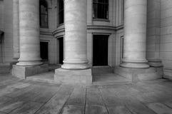 здание суда колонок Стоковое Изображение