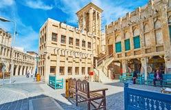 Здание с башней ветра, Souq Waqif, Дохой, Катаром стоковая фотография rf