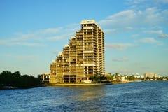 Здание фронта воды пляжа Майами южное Стоковая Фотография RF