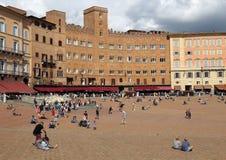 Здание Palazzo Sansedoni в Сиене, Италии Стоковое Изображение