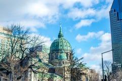 Здания в Монреале все еще отражают европейский стиль Стоковая Фотография