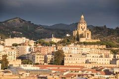Здания Мессина Сицилия гавани передние Стоковые Изображения RF