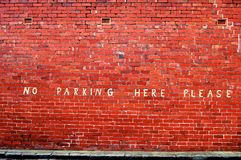 здесь отсутствие стоянкы автомобилей пожалуйста Стоковая Фотография RF