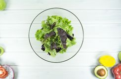 здоровая домодельная еда vegan, вегетарианская диета, закуска витамина, еда и концепция здоровья стоковые изображения