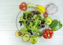здоровая домодельная еда vegan, вегетарианская диета, закуска витамина, еда и концепция здоровья стоковая фотография rf