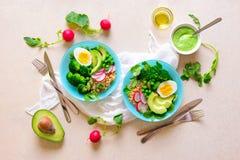 Здоровая еда вытрезвителя служила в шарах, взгляде сверху Стоковое Фото