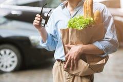 Здоровая еда для мужчины Пешеход покупок Стоковое Изображение RF