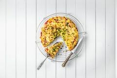 Здоровая еда завтрака, омлет заполненного яйца стоковые изображения rf