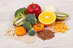 Здоровая еда как витамин PP и B3 источника, диетическое волокно и естественные минералы стоковая фотография rf