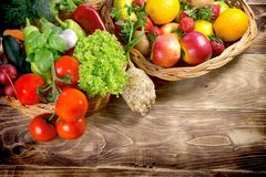 Здоровая еда, органический фрукт и овощ - здоровая еда Стоковое Изображение RF