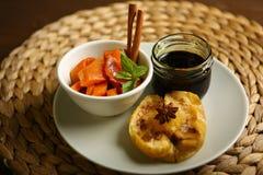 Здоровая еда от испеченных яблока и тыквы Стоковая Фотография RF