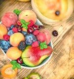 Здоровая еда, здоровая еда - свежий органический плодоовощ Стоковые Фото
