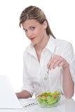 здоровая женщина серии уклада жизни компьтер-книжки Стоковые Изображения RF