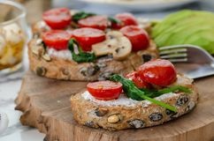 здоровая принципиальная схема завтрака еда здоровая стоковое фото rf