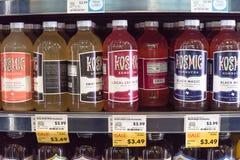 Здоровая probiotic и заквашенная еда в всем магазине еды стоковое фото