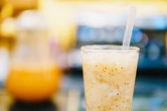 Здоровое оранжевое встряхивание плодоовощ Стоковое Изображение RF