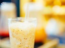 Здоровое оранжевое встряхивание плодоовощ Стоковые Фотографии RF