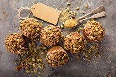 Здоровые булочки тыквы с семенами Стоковые Фотографии RF