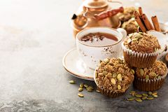 Здоровые булочки тыквы с чаем и специями Стоковое Изображение