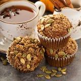 Здоровые булочки тыквы с чаем и специями Стоковые Фотографии RF