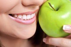 здоровые зубы стоковые изображения rf