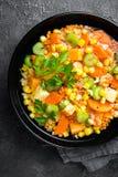 Здоровый вегетарианский овощной суп с чечевицей и овощами суп середины чечевицы восточной еды ливанский стоковое фото rf