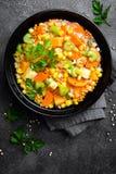 Здоровый вегетарианский овощной суп с чечевицей и овощами суп середины чечевицы восточной еды ливанский стоковые изображения rf