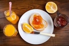 Здоровый завтрак и оранжевое варенье Стоковое Изображение