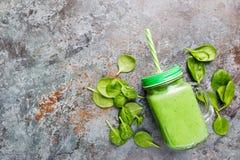 Здоровый зеленый smoothie стоковое изображение