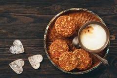 Здоровый отсутствие испеченных печений зерна с ягодами goji Стоковые Фото