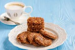 Здоровый отсутствие испеченных печений зерна с ягодами goji Стоковое Фото