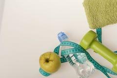 Здоровье и низко- концепция еды калории Резвит оборудование режима стоковое фото