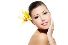 здоровье стороны женское свежее ее кожа очищенности Стоковое фото RF
