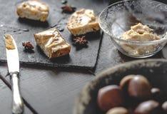 Здравицы сливк сладостного каштана с звездами меда и анисовки розмаринового масла Стоковые Изображения