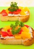 Здравицы с перцем и сыром колокола стоковые изображения rf