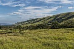 Зеленая долина в malanje, Анголе вышесказанного стоковое фото rf