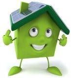 зеленая дом обшивает панелями солнечное Стоковые Фотографии RF