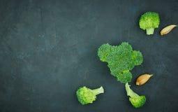 Зеленая еда картины брокколи Изолированный овощ на белой предпосылке Взгляд сверху стоковое фото