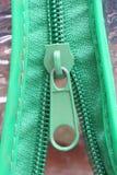 зеленая застежка-молния Стоковые Фотографии RF