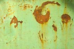 Зеленая текстура с концом ржавчины вверх Ржавая поверхность зеленой металлической пластины E стоковые изображения