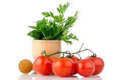 зеленая трава листает томаты Стоковые Фотографии RF