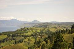 Зеленовато в озере toba стоковые фотографии rf