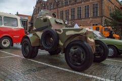 Зеленое историческое бронированное транспортное средство на дне национальной независимости в Гданьске в Польше Празднует 99th год Стоковое Фото